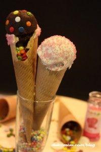 cucuruchos de bizcocho y candy melts (1)